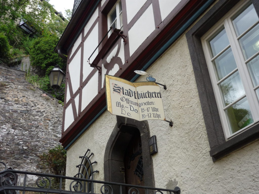 half-timbered city library in Cochem